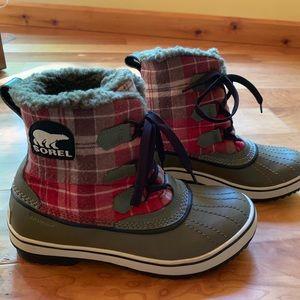 Sorel short plaid winter boots